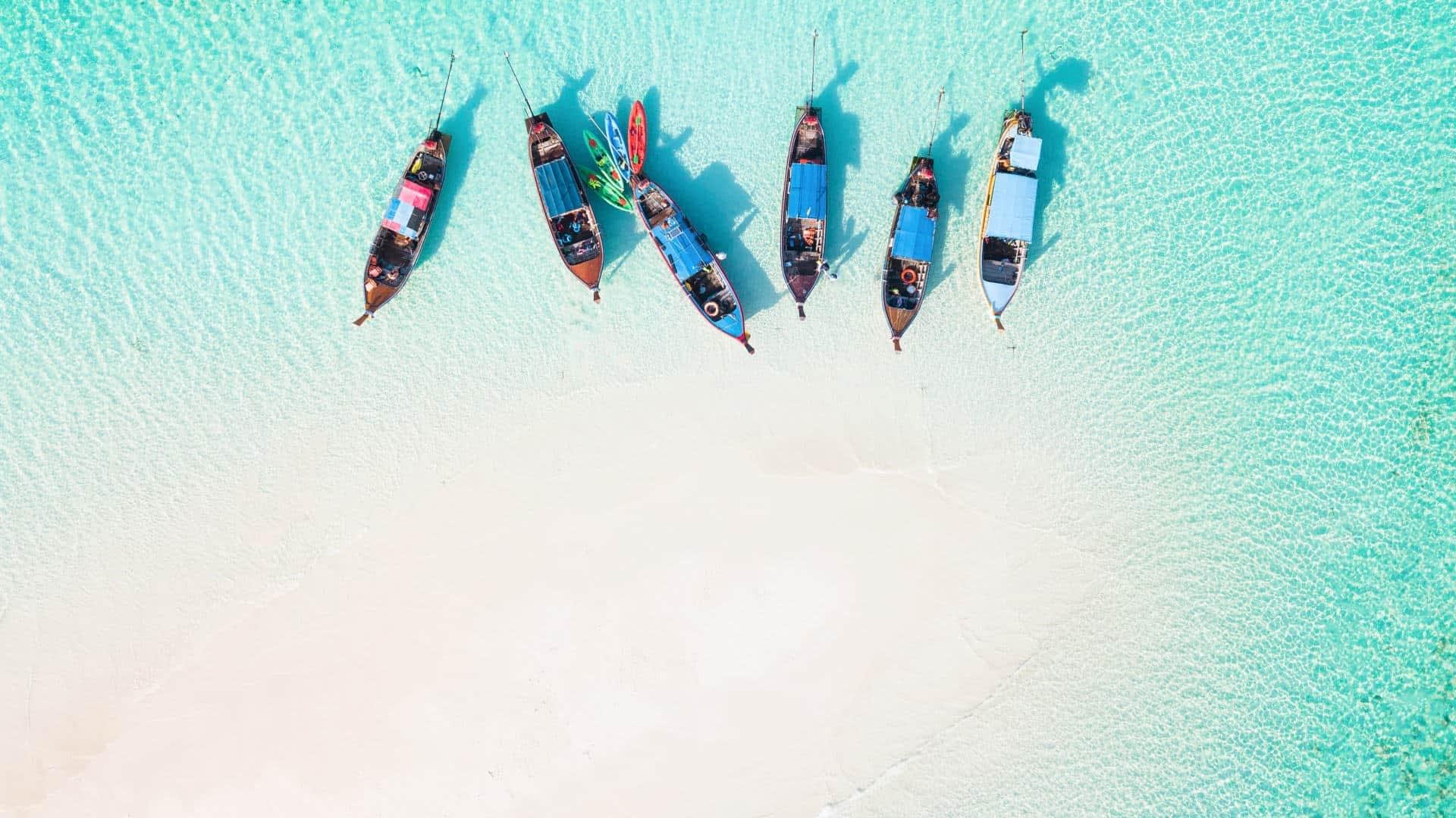 Thailand Insel und Strand mit Booten