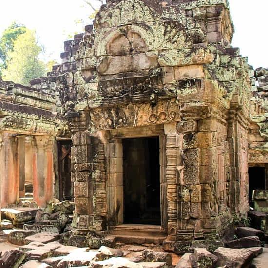 Angkor Wat temple and Monk