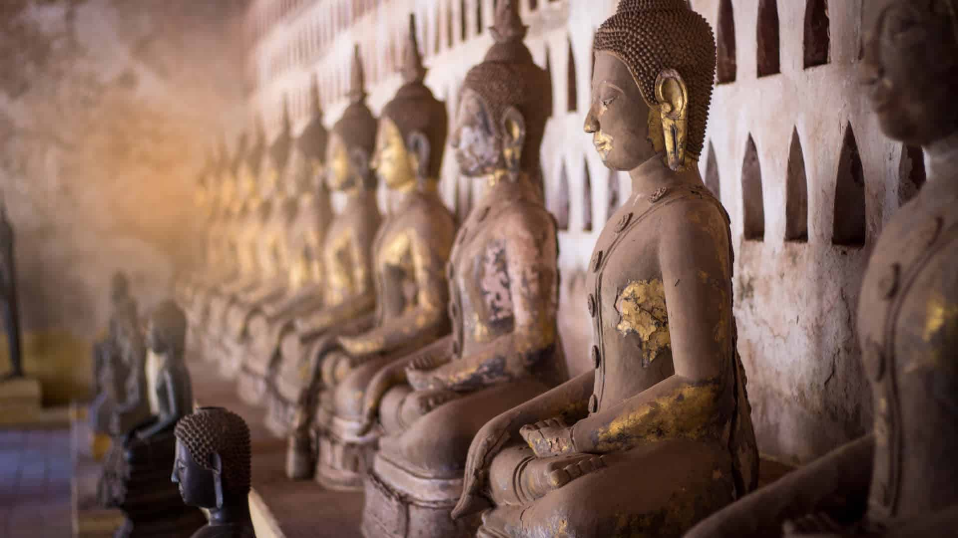 Laos temple statues